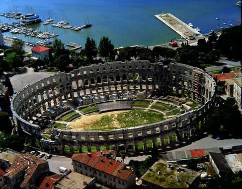 Pula ; la fierté de l'Istrie ; un patrimoine antique d'exception 1