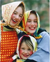 filles paques finlande tradition sorcieres