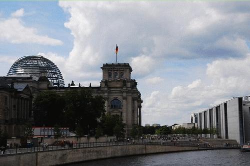 Berlin Reischstag Spree