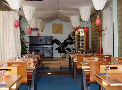 magicka zahrada salle tables restaurant prague