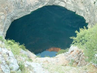 Lac rouge Imotski en Dalmatie (Croatie)