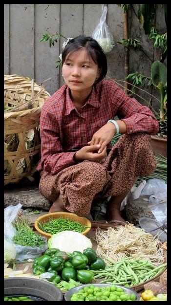 Birmane vendeuse Paya Shwedagon