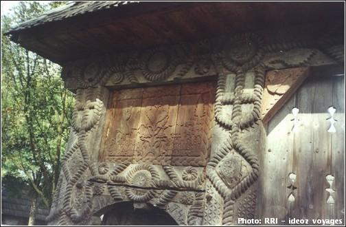 Maramures détail d'un portail