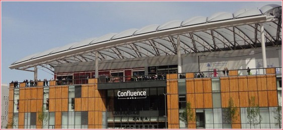 Lyon Confluence centre commercial