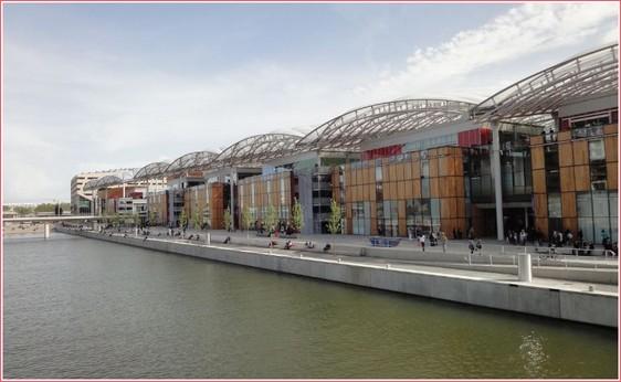 Lyon Confluence le centre commercial