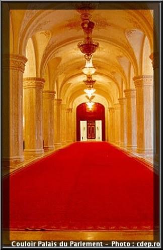 Bucarest palais du parlement couloir