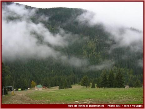 Retezat brouillard et nuages