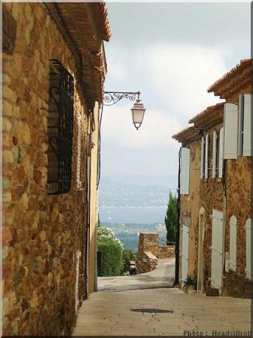 gassin rue plus beaux villages de france var