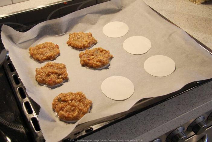 Préparation et cuisson des lebkuchen elise de Nuremberg