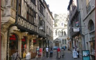 Dijon rue du bourg