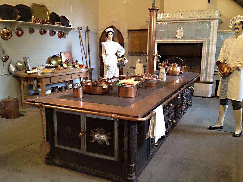Vaisselle Et Cuisines Des Chteaux De Louis 2 De Bavire