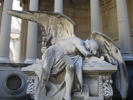 cimetiere barcelone las corts poble nou ange statue