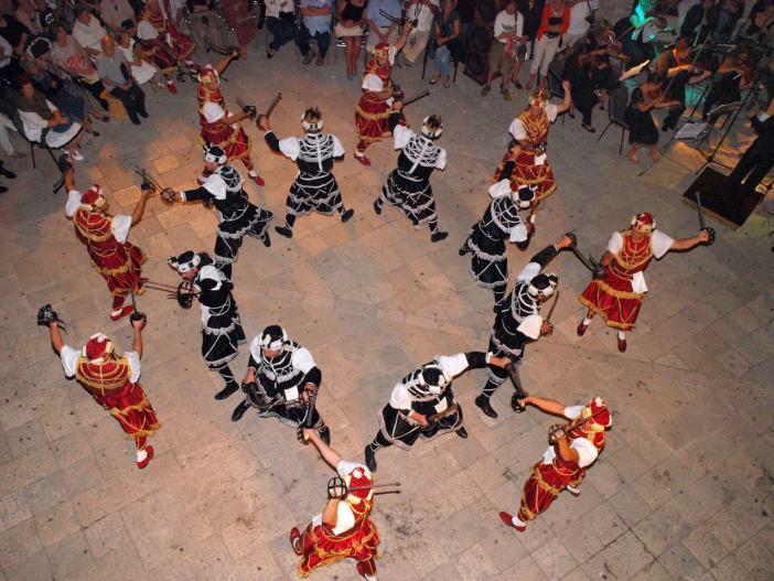 Moreska danse des chevaliers à Korcula