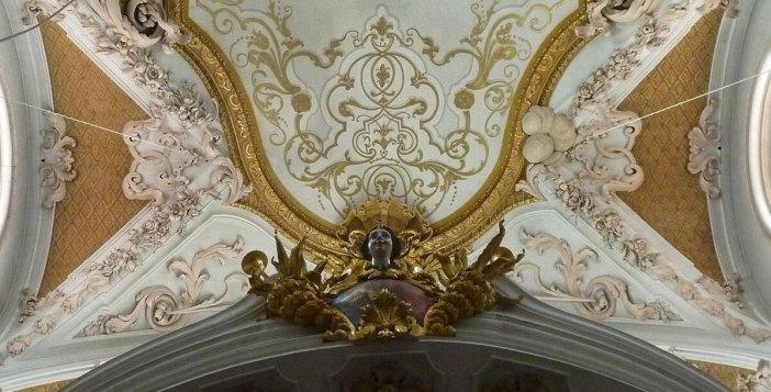 Abbaye Rohr détails d'un ange sur le plafond