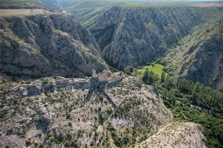 Forteresse de Drnis en Dalmatie du nord