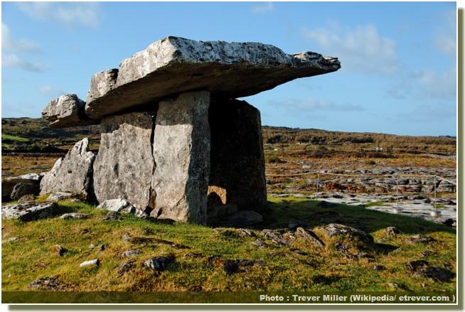 Poll na bron dolmen poulnabrone