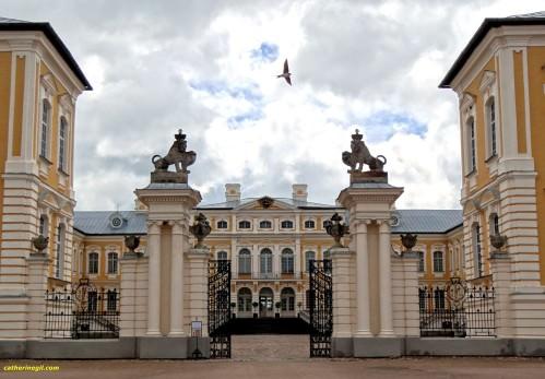 portail du chateau Rundales pils en Lituanie