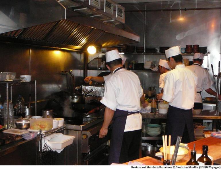 Restaurant Shunka Barcelona Cuisine devant les clients
