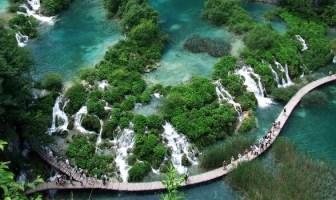 sentier des lacs inférieurs à Plitvice