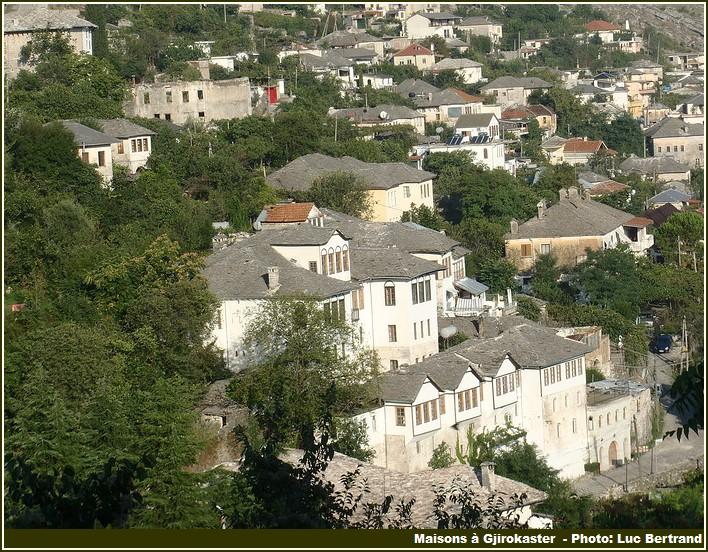 Gjirokaster maisons et toits