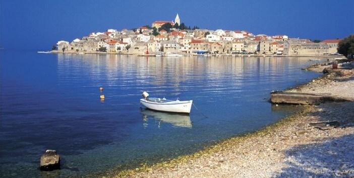 Primosten un des plus beaux villages maritimes de croatie