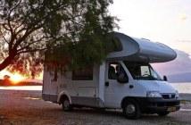 camping car en bord de mer en croatie