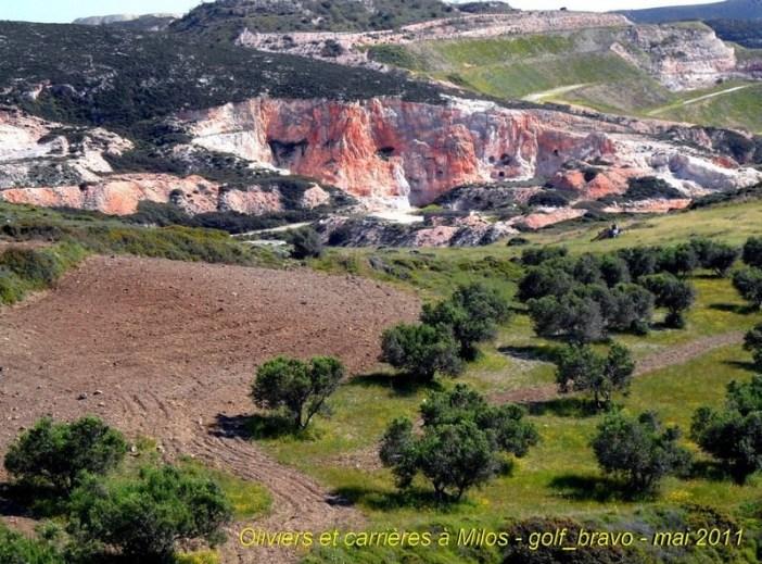 Ile de Milos oliviers et carrières