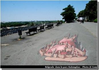 Découvrir Belgrade dessin dans le parc Kalemegdan