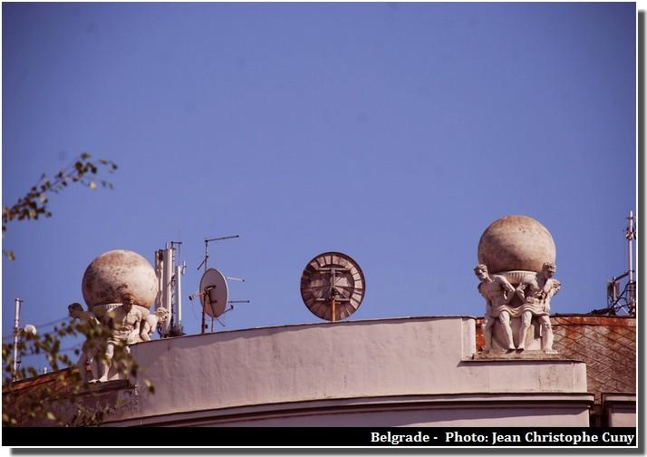 Belgrade facades statues
