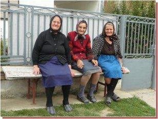 Vieilles dames serbes en serbie centrale