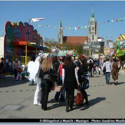 Fête foraine à Munich pendant la Fruhlingsfest