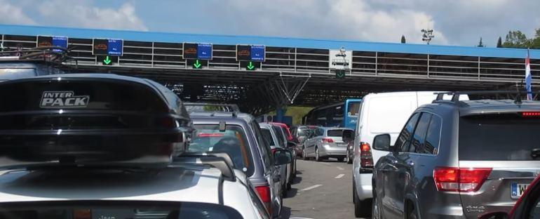 queue en aout a la frontière croatie montenegro