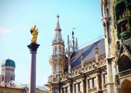 Carillon de la Marienplatz à Munich ; une attraction immanquable