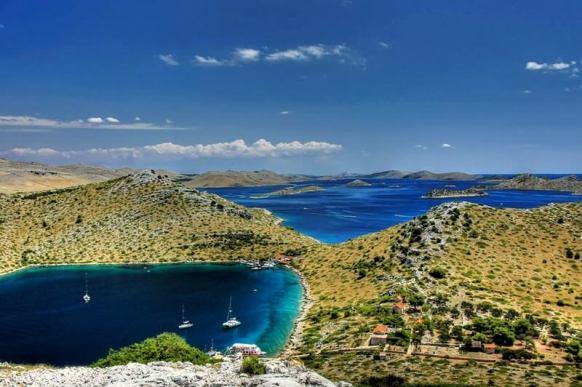 Kornati Baie de l'île de Levrnaka