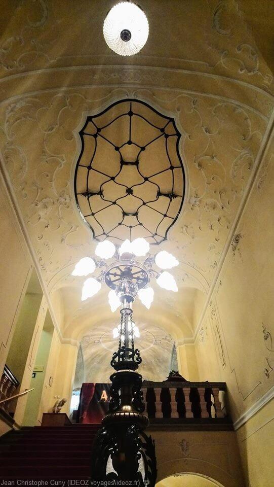 Intérieur du palais du Danube à Budapest lors du marché de Noel insolite