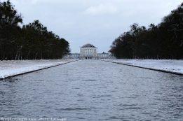 Chateau Nymphenburg plan d'eau en hiver