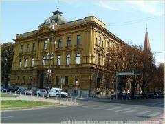 Zagreb batiment de style austro hongrois sur la place tito