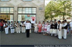 Zagreb groupe folkolorique sur la place Ban josip Jelacic
