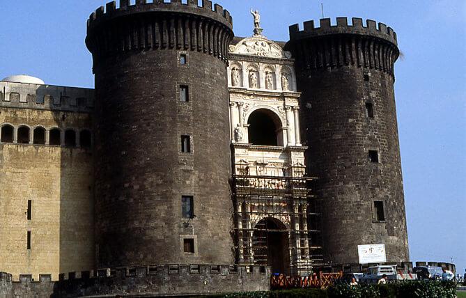 naples castel nuovo napoli