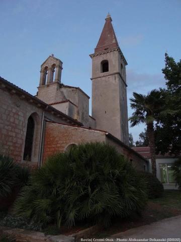 Rovinj Crveni Otok église