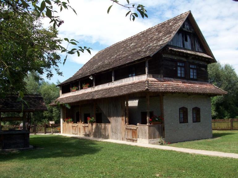 Stara Lonja maison traditionnelle du parc Lonjsko Polje