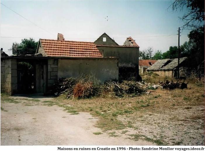 Maison en ruines en Croatie en 1996
