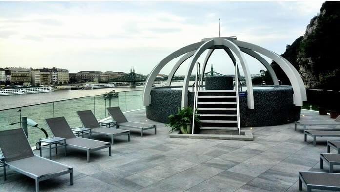 Rudas terrasse vue sur le Danube