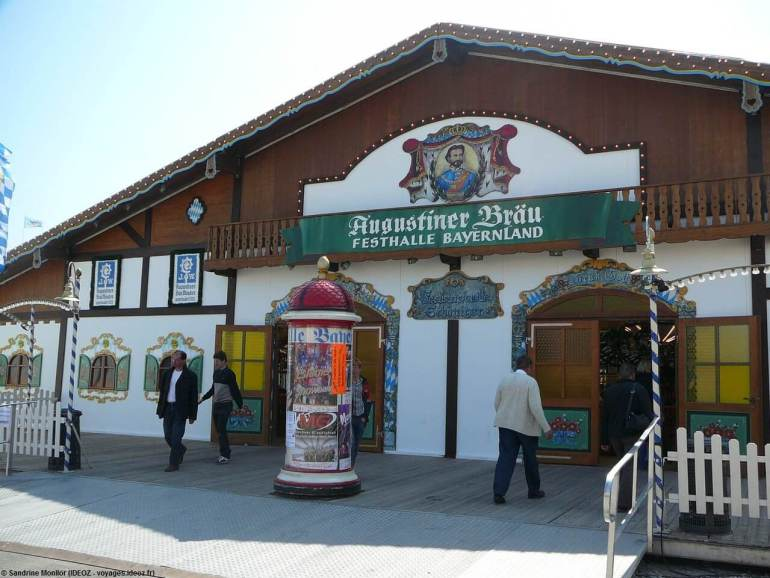 Frühlingsfest de Munich Augustiner Brau tente de Baviere