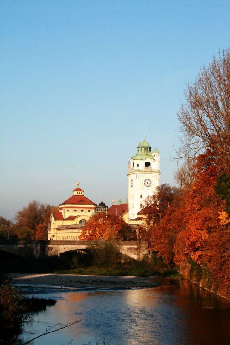 Volksbad sur l'Isar à Munich