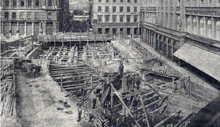 Budapest Place Vörösmarty avant sa construction