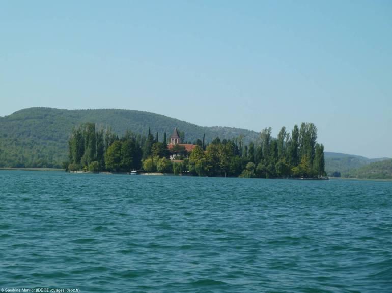 Monastère de l'ilot de Visovac à Krka