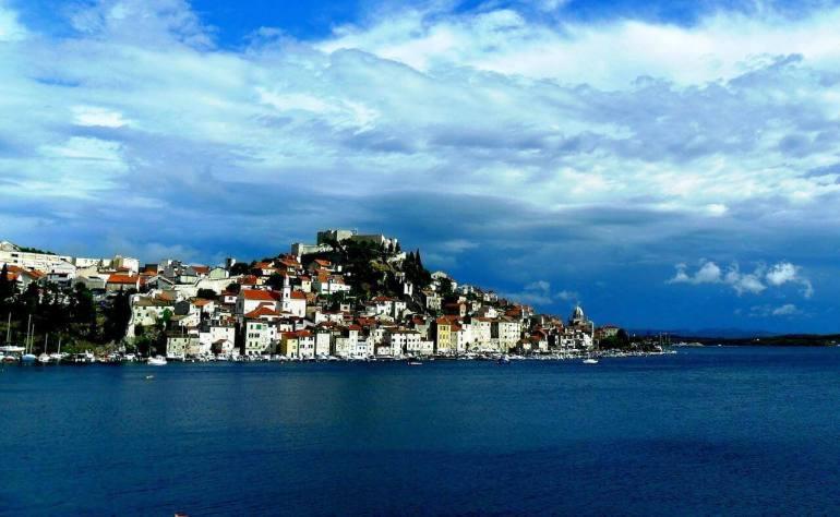 Vue de Sibenik depuis la mer