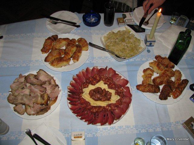 Repas de Slavonie à l'agrotourisme Crvendac