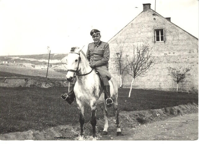 Goth sur son cheval - (Crédit photo : http://www.holocaustresearchproject.org)